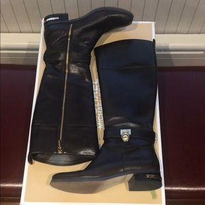 Michael Kors Boot size 8